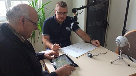 V.l.n.r.: Joachim Born, erster Vorsitzender des Vereins zur Förderung sozialer und kultureller Kontakte  e. V. und Andreas Aue, Senior User Experience Designer der Cocomore AG